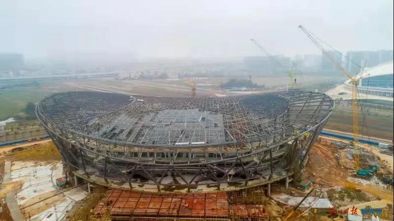 钢结构桁架体育馆